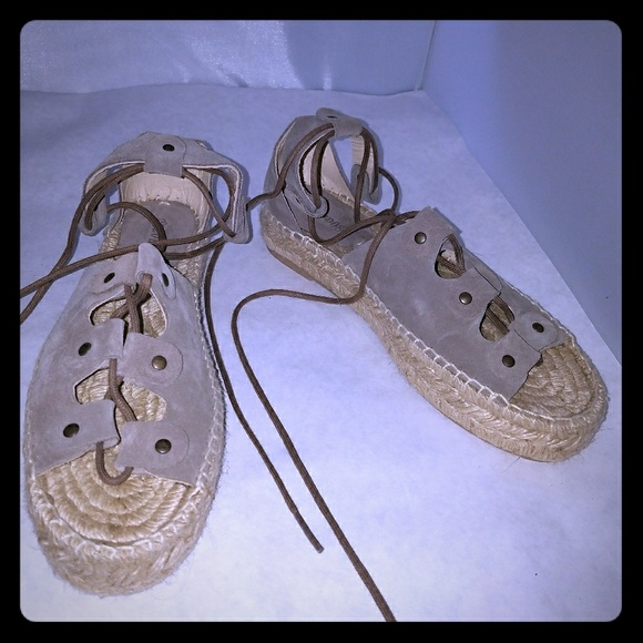 0ff3e3dfeca M 5a7e8edccaab44126b9e1ea6. Other Shoes you may like. SOLUDOS Espadrilles